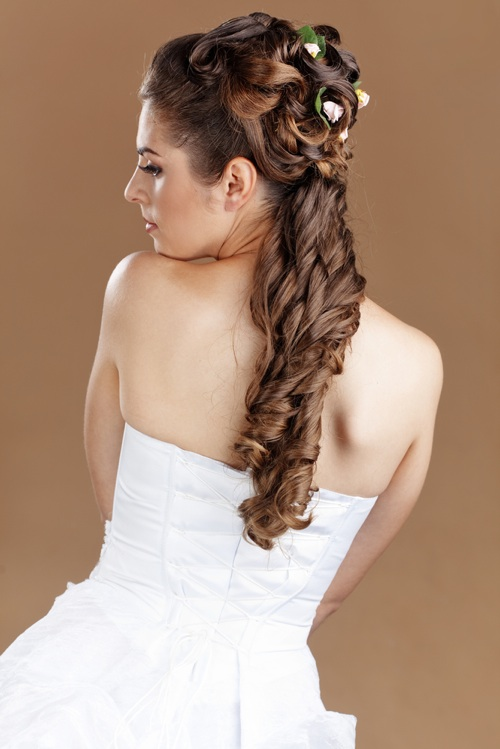 http://www.hairstylestars.com/wp-content/uploads/2012/04/ponytail-hairstyle-wedding.jpg