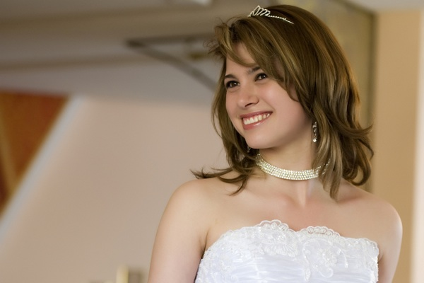 wedding hairstyle medium layered hair