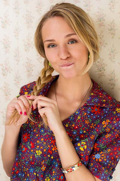 Cute + Easy Summer Hairstyle: The Side Braid!
