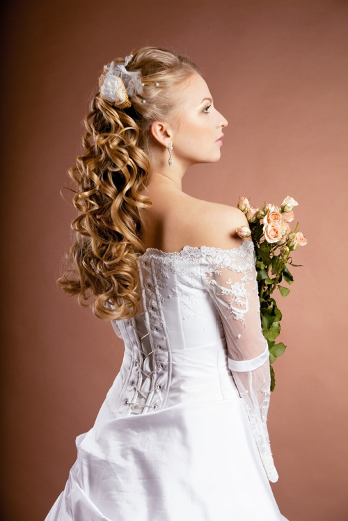 Marvelous Feel Glamorous With A Long Curly Wedding Hairstyle Bride Sparkle Hairstyle Inspiration Daily Dogsangcom