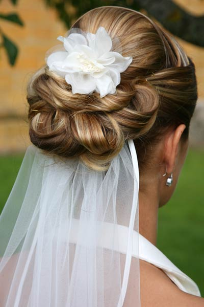 www wedding hair styles looking for low updo veil placement inspiration 8422