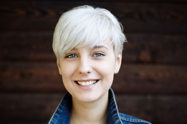 short hair platinum pixie