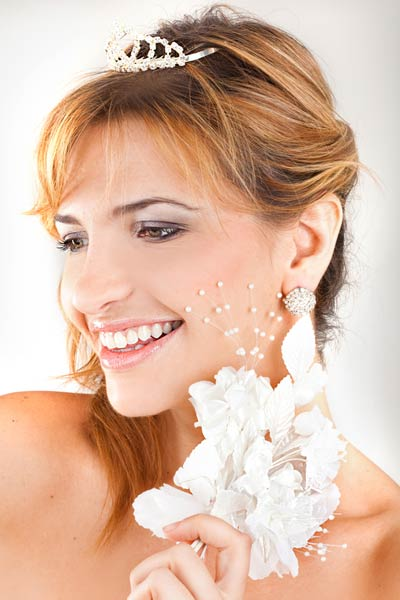 wedding tiara side hairstyle