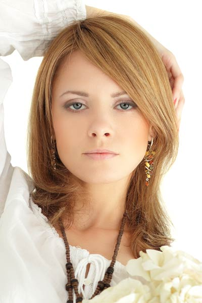 Shoulder length layered hair can also be styled into a modern and