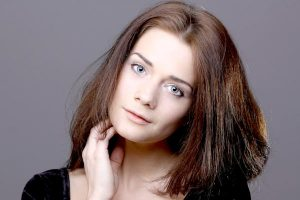 Hairstyles for Thick Hair – Shoulder Length