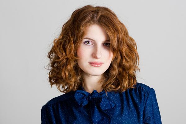 3 Medium Length Haircuts For Wavy Hair
