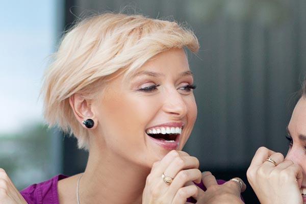 ... short haircut that works for fine or even wavy hair, get a short bob