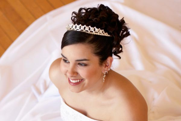 quinceanera hairstyles with tiara : Quinceanera Tiara