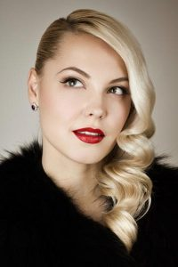 3 Hairstyles with Vintage Glamour