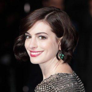 Anne Hathaway's Short Bob 2014