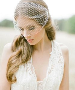 How to Choose Wedding Hair and Accessories