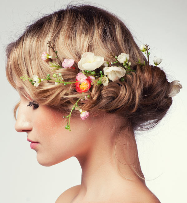 20 Wedding Hairstyles With Flowers: Unique Wedding Hairstyles With Flowers