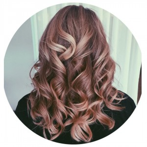 21 Pretty Ways to Wear Hair Curls