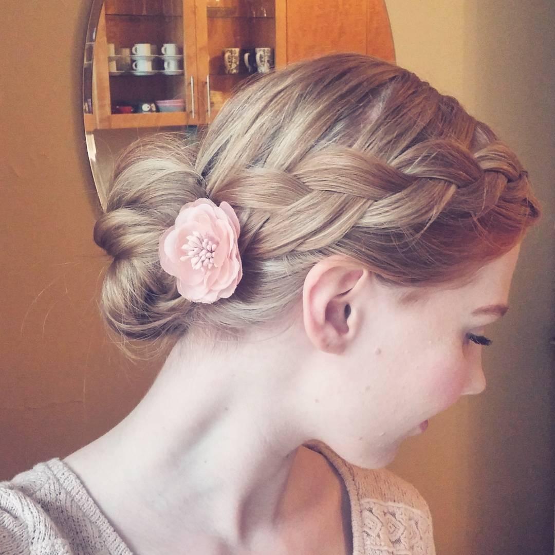 amandas0fia-french-braid-and-messy-bun-long-hairstyles-for-women