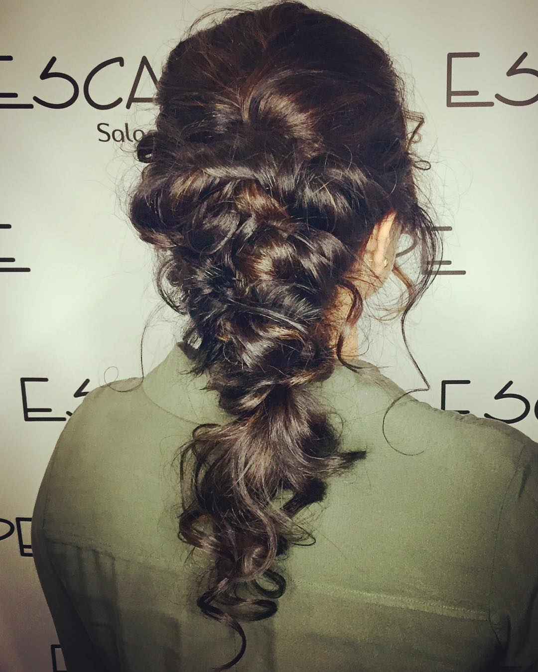 bek_monster-curly-long-hairstyle-updo