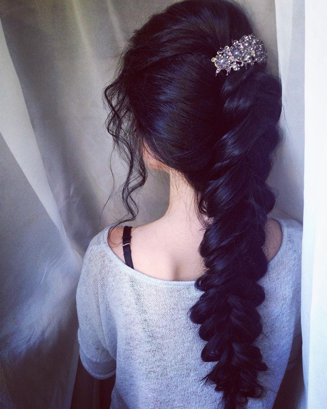 eremaerema_kr-messy-long-loose-fishtail-braid-long-hairstyle