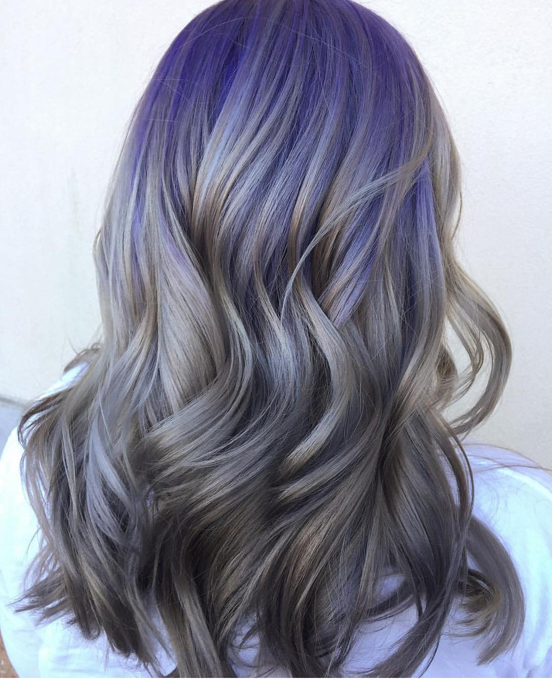 kellymccormickhair-unicorn-hair-purple-and-silver-highlights